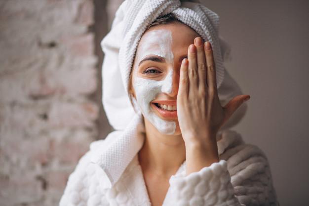rensende ansigtsmaske